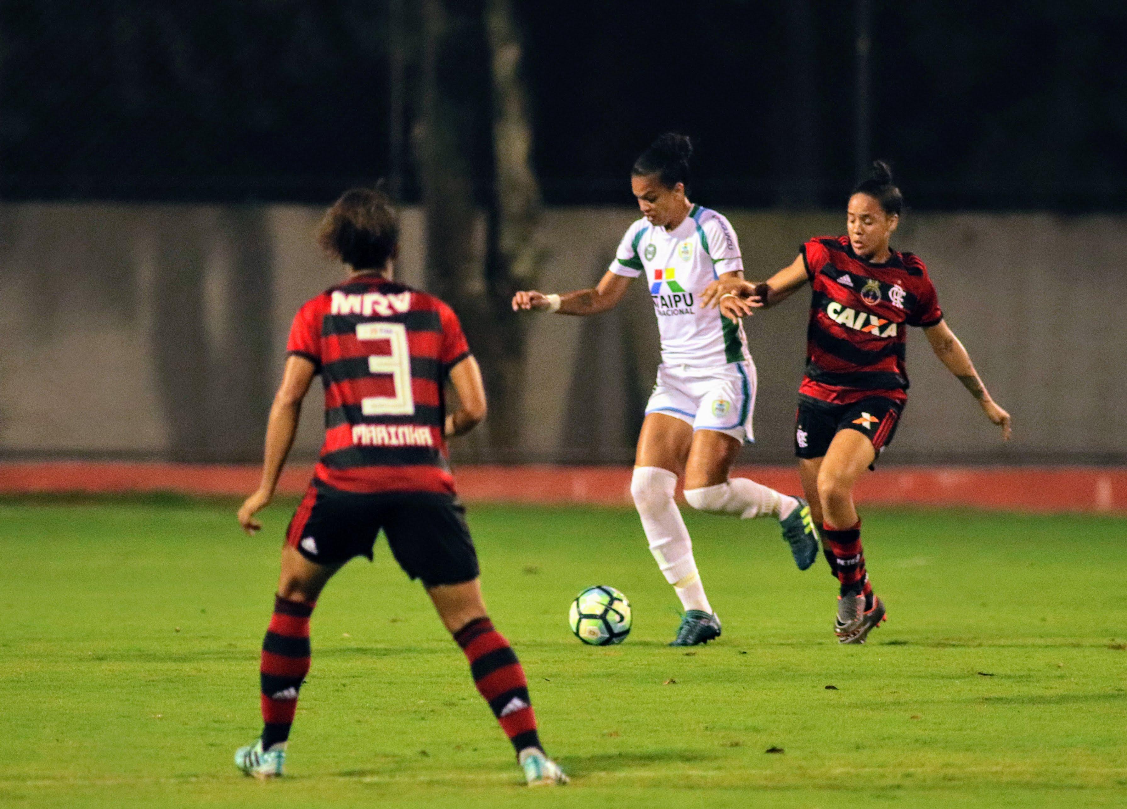 Foz Cataratas/Coritiba empata em casa com o Flamengo pelo Brasileirão Partida foi disputada no Estádio Pedro Basso, nesta quinta, 17